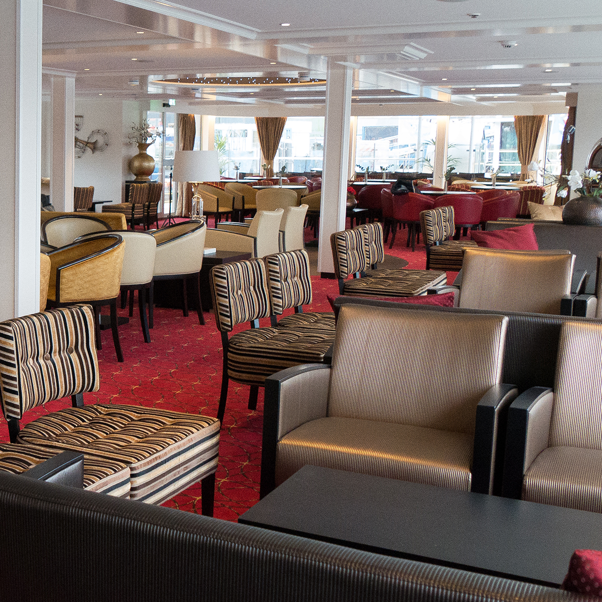 River Voyager - Lounge
