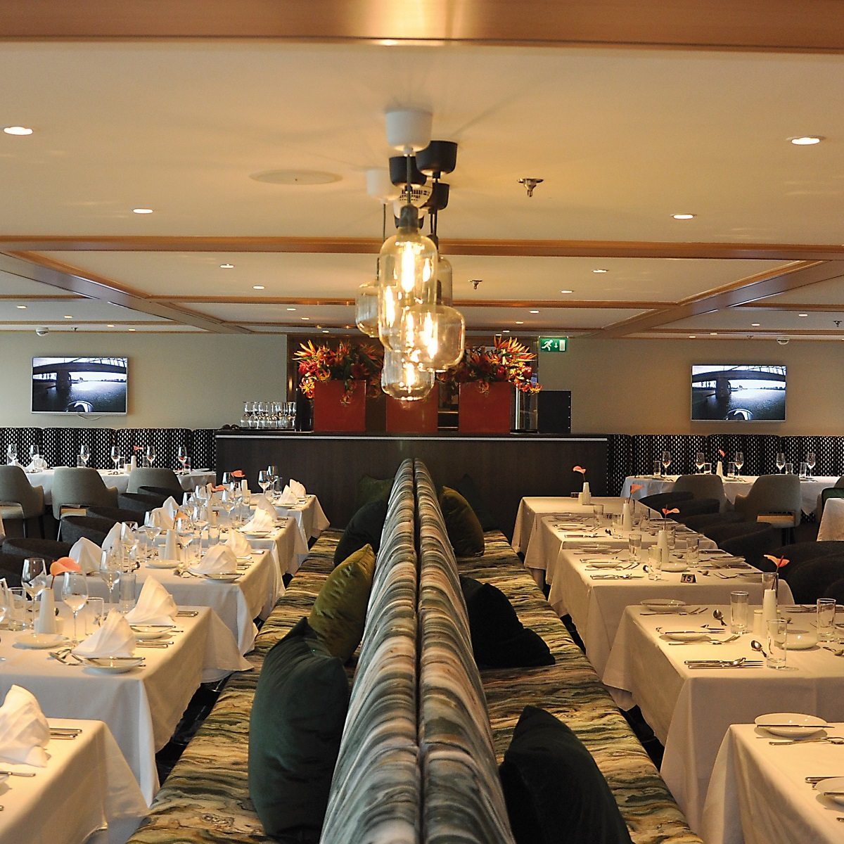 Serenade 1 - Restaurant